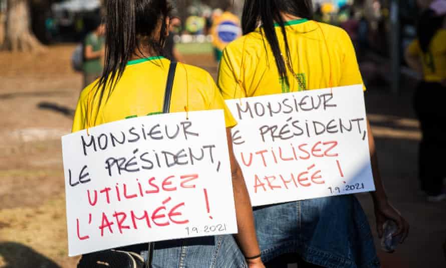 Bolsonaro protesters in Brasília take their message international.