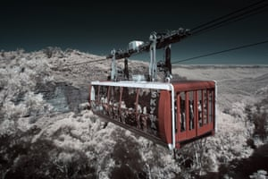The Scenic Skyway cable car transporting tourists in the Blue Mountains