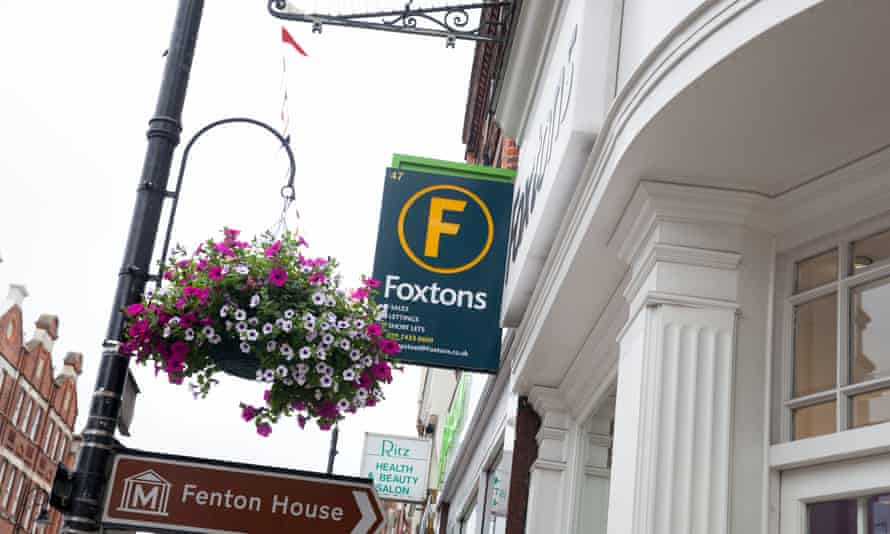 A Foxtons estate agents in London