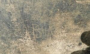The graffiti spelling 'Sabinus'.