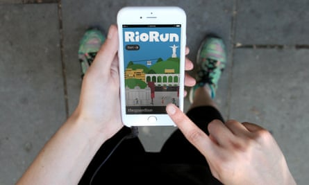 A runner using the Guardian's RioRun on their iPhone.