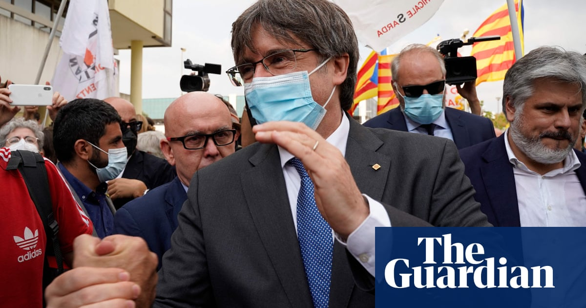 Judge delays ruling on Spain's extradition request for Puigdemont
