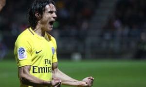 Edinson Cavani scores for PSG v Angers