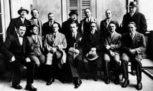 Members of the Italian antifascist movement Giustizia e Libertà in the 1930s. In the middle, Carlo Rosselli, Giovanni Bassanesi and Ferruccio Parri.
