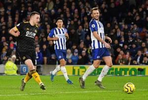 Jota ghi bàn mở tỷ số cho Wolves.