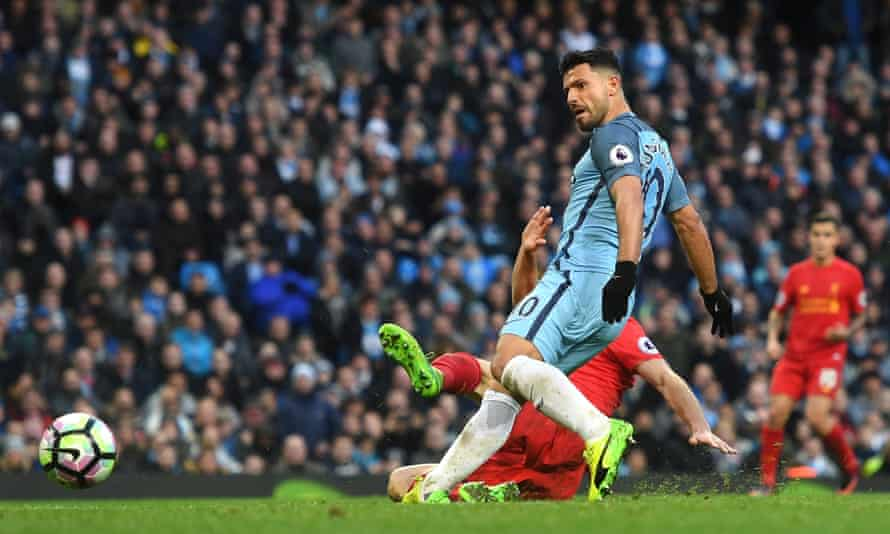 Sergio Agüero equalises for Manchester City in their 1-1 draw with Liverpool