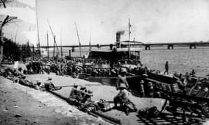 British troops embarking for Khartoum during the Sudanese revolt against Anglo-Egyptian rule.