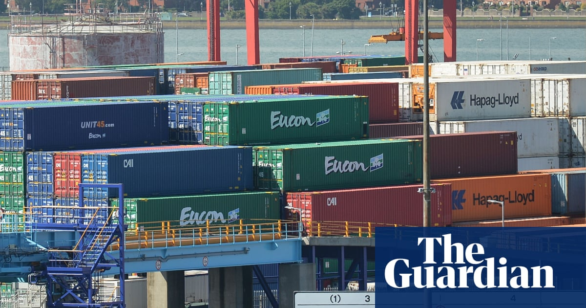 Freight traffic between Great Britain and Dublin drops by a fifth