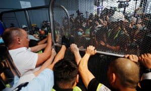 Hong Kong protests: subway to airport shut down as activists out in force | World news | The Guardian