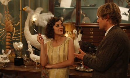 Midnight in Paris: contains over 50 'tobacco incidents'