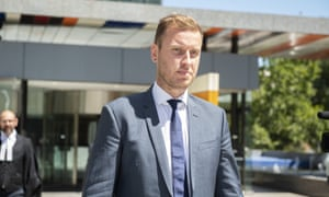 Mark Lee, a former adviser for the Registered Organisations Commission, has contradicted evidence from a former top aide to Michaelia Cash.