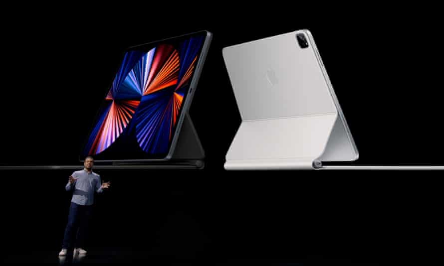 The new iPad Pro has the same powerful chip as Apple's laptops and desktop computers.