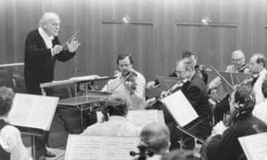 Menuhin conducting the Staatskapelle Berlin.