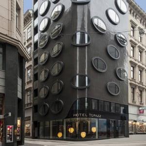 Window on to Vienna: Hotel Topazz.