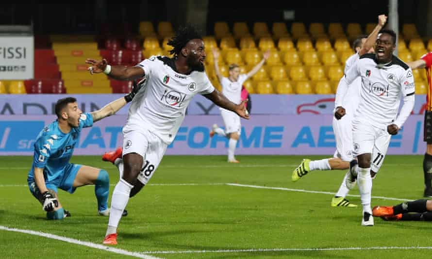 M'Bala Nzola celebrates after scoring for Spezia against Benevento in Serie A.