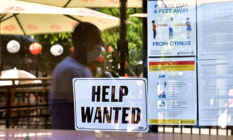 Worker filings for unemployment benefits have dropped by 35% since late April and fell to 385,000 last week, the labor department said Thursday.