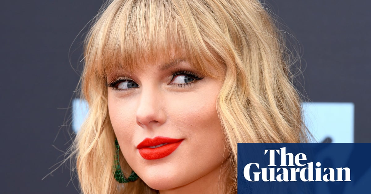 Taylor Swift accuses Trump of stoking the fires of white supremacy and racism