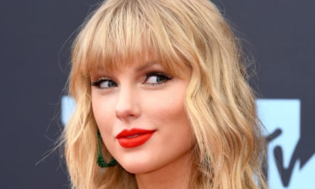 Taylor Swift accuses Trump of 'stoking the fires of white supremacy and racism'