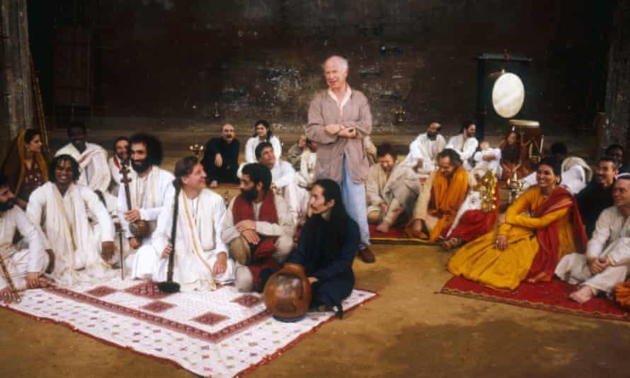 Peter Brook directs a rehearsal of the Mahabharata at Théâtre des Bouffes du Nord in Paris in 1987.