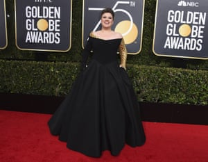 Kelly Clarkson arrives at the 75th annual Golden Globe Awards
