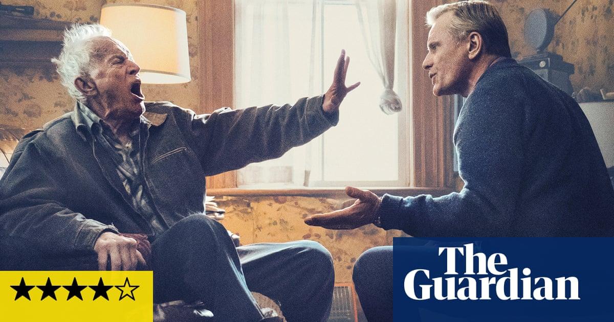 Falling review – Viggo Mortensen casts a clear eye on dementia | Peter Bradshaws film of the week