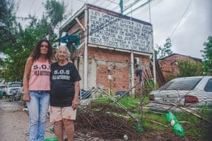 Vila Autódromo residents Sandra Maria de Souza and Dona Dalva de Oliveira.