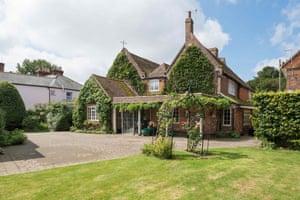 Fantasy house hunt granny annexe Seymour Place Wingham, Kent