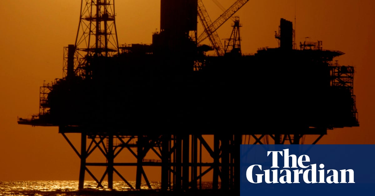 Oil and gas industry fights Morrison government levy of up to $1bn to decommission rig
