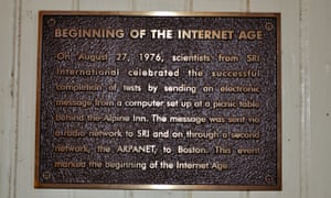 A plaque at Rossotti's commemorating the August 1976 experiment.