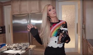 What's cooking? ... Paris Hilton hosts her YouTube tutorial with Diamond Baby.