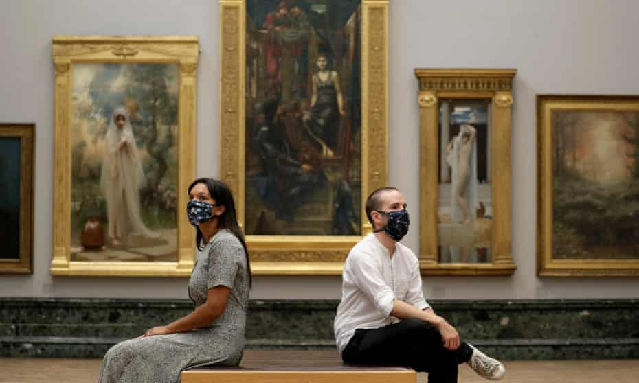 Visitors wearing face coverings at Tate Britain