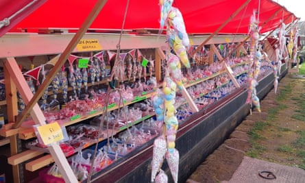 Candy Boat – a sweetshop on the water
