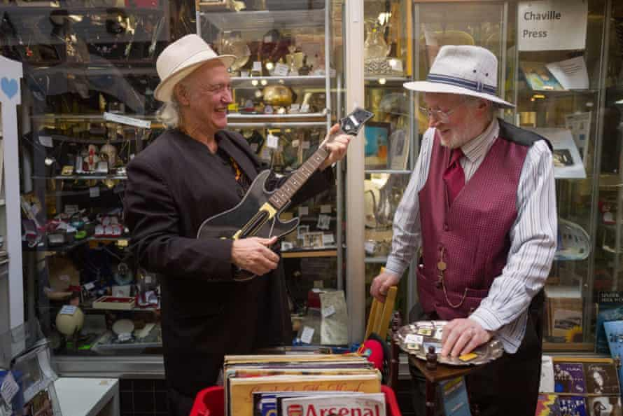Dave Davies with shop owner Noel Lynch