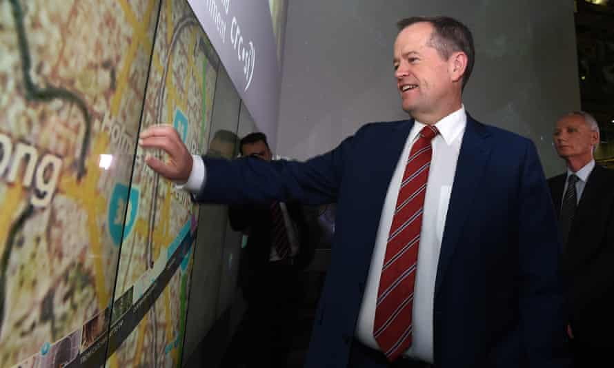 Bill Shorten using an interactive wall during a visit to Queensland University of Technology in Brisbane on Wednesday.