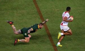 Josh Dugan manages to ankle tap Kallum Watkins