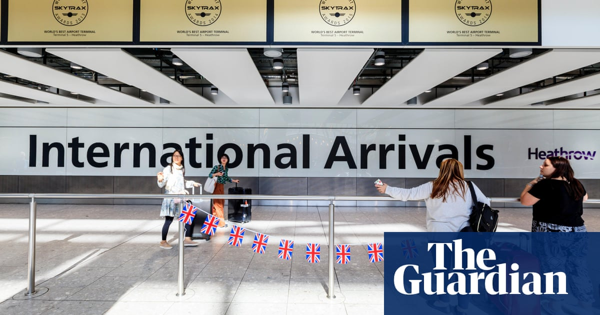 Women in UK Covid hotel quarantine will have female guards where possible