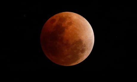 Mars to track blood moon in double celestial treat on Friday