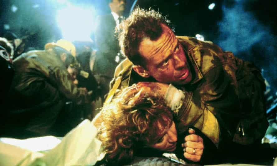 Bruce Willis and Bonnie Bedelia in Die Hard.