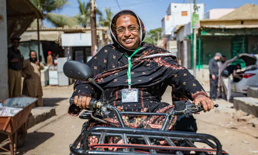 Polio vaccinator Khalida Nasreen
