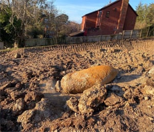 Exeter, UK: An unexploded second world war bomb has prompted the evacuation of 2,600 households