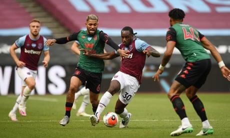 West Ham confident Michail Antonio will stay and plan pay reward