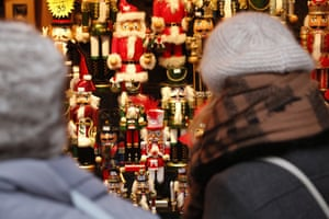 Visitors to the Christmas market by the Mound