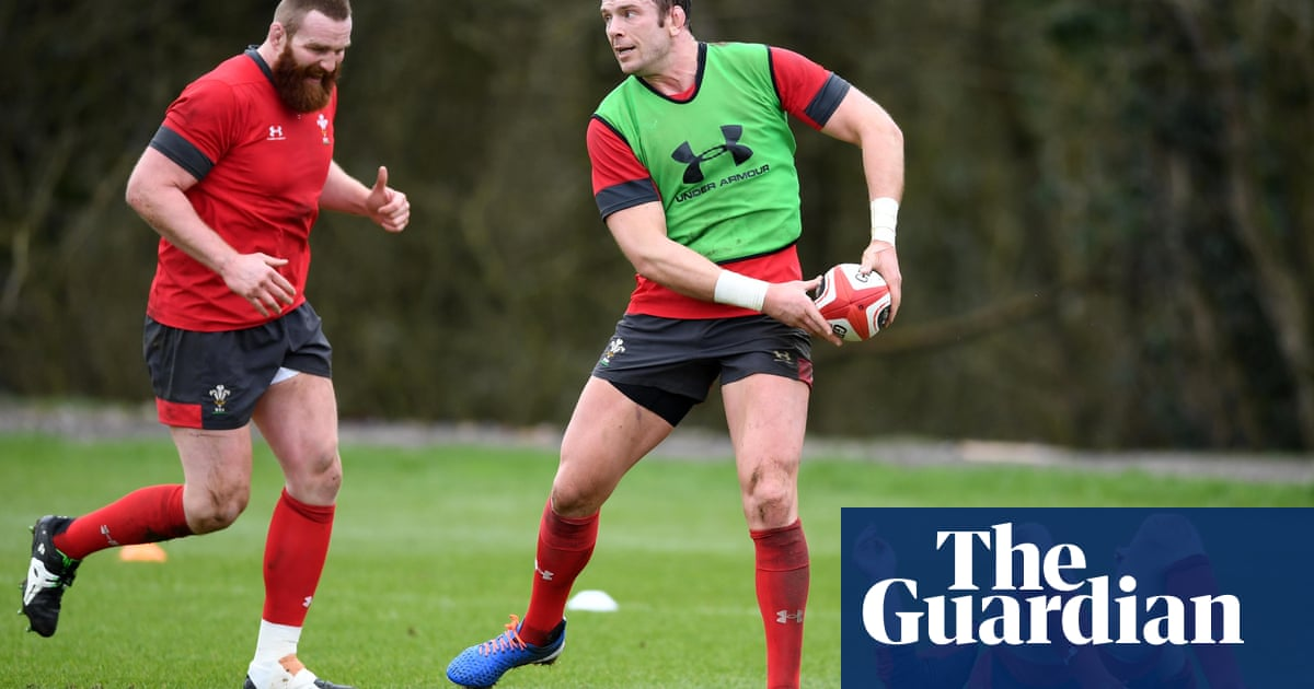 Wales under pressure to get back on track against inexperienced France