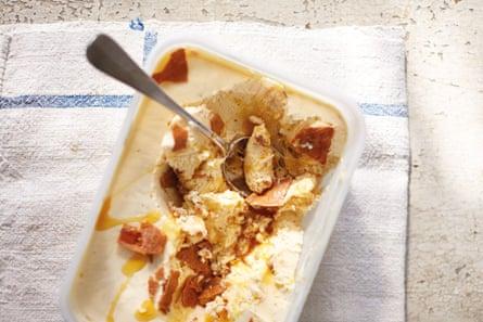 Vanilla and caramelised pine nut ice cream