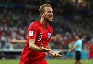 Kane celebrates scoring late.
