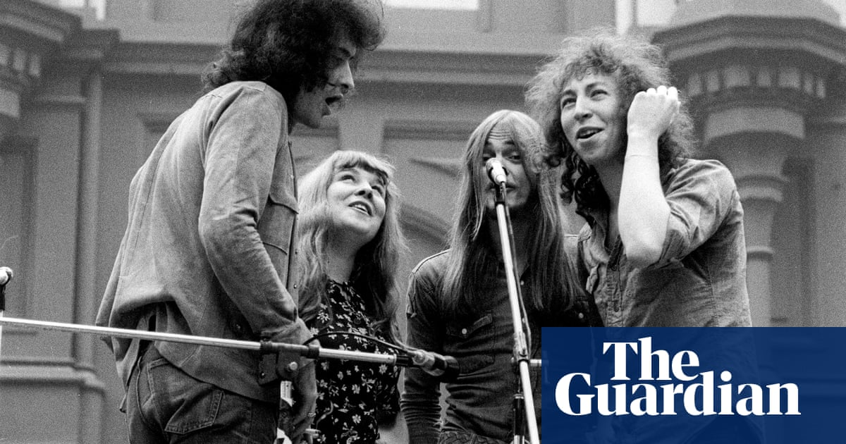 Beeswing by Richard Thompson review – beyond Fairport Convention