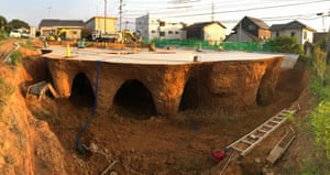 The strange, burrowing construction technique being used to build a cave-like restaurant in Yamaguchi.