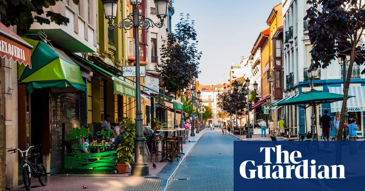 Spanish village hits back at urban tourist complaints