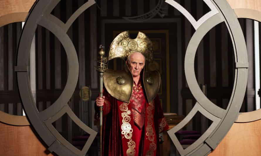 The President (Donald Sumpter).