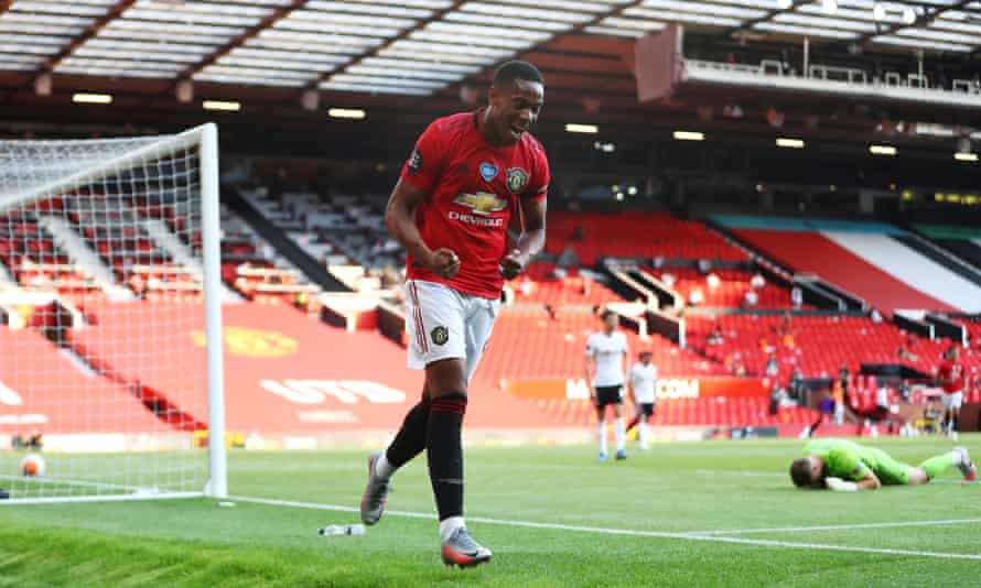 Anthony Martial scores for Manchester United